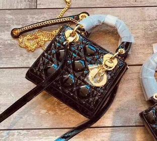 2019新款奢侈品包包批发代理,一手货源