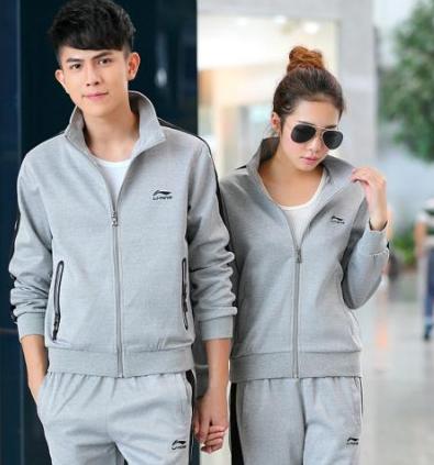 休闲新款潮流服装,品牌运动服一件代发